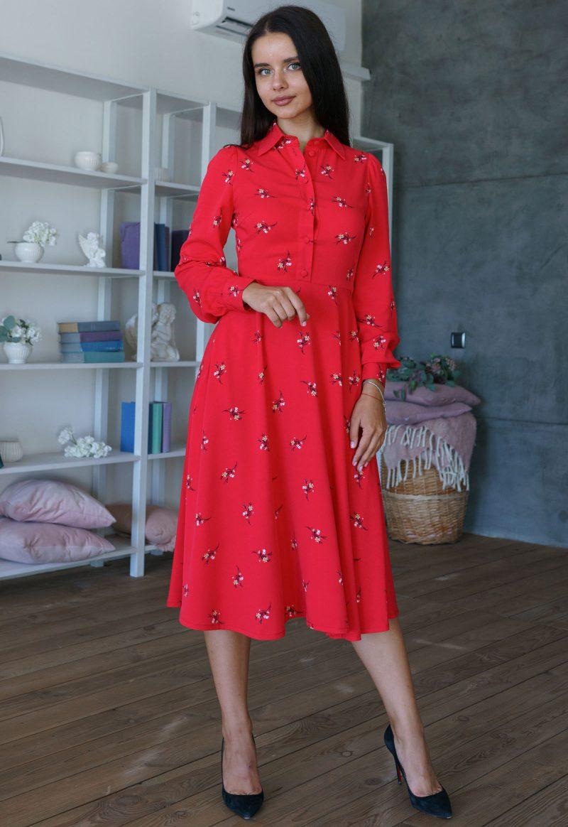 ярко красное платье